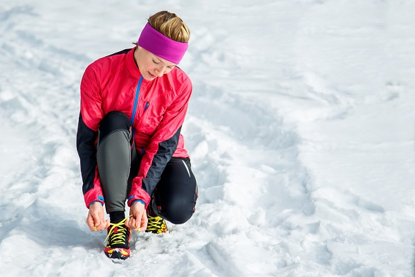 snow, winter, getting fit, lady, wrapped up, trainers