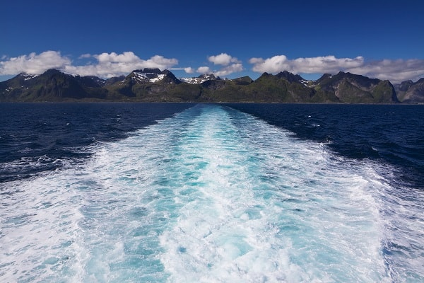 Activity-Cruise-Waves