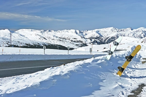 Destination-Arinsal-Andorra-Pyrenees-Snowboarding