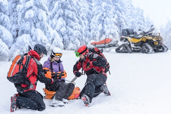Health-Injury-Winter-Slopes-Skiing-Mountain