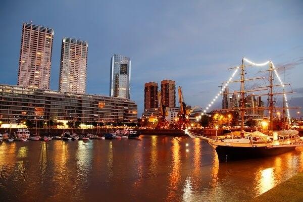 Destination-Puerto-Madero-Buenos-Aires-Argentina