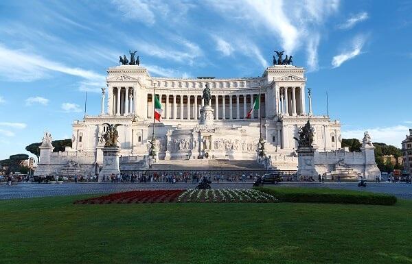 Destination-Rome-Monument-to-Vittorio-Emanuele