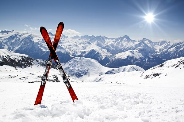 Wintersports-Ski-Snow-Mountain