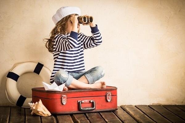 Family-Travel-Packing-Kid-On-Case