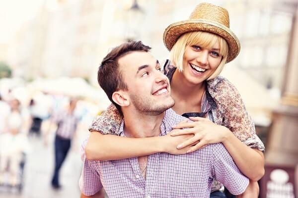 Stock-Picture-Couple-Happy-Piggyback