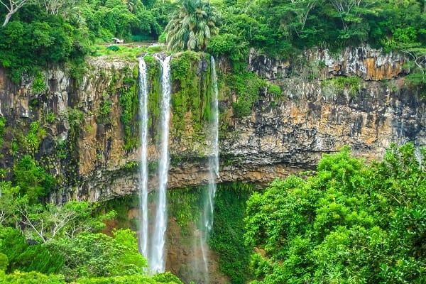 Destination-Chamarel-Mauritius-Waterfall