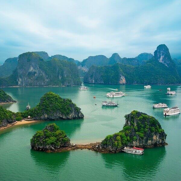 Destination-Ha-Long-Bay-Vietnam
