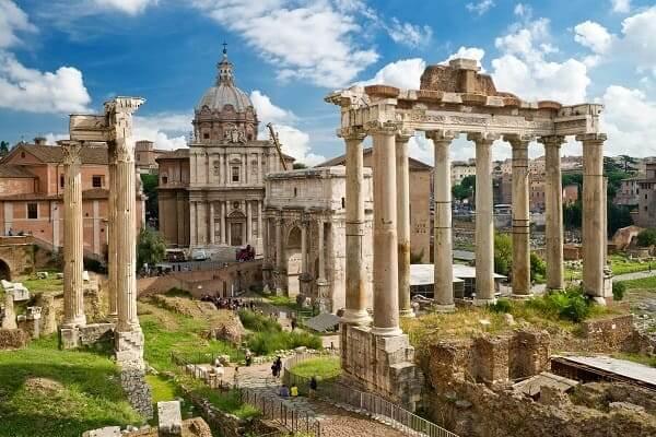 Destination-Rome-Italy-Roman-Forum