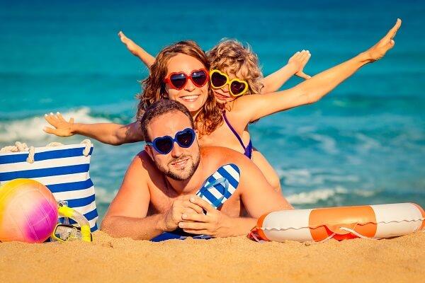 Family-Travel-Beach