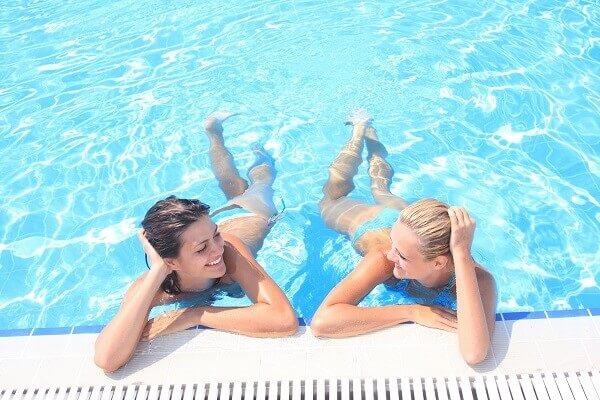 Pool-People-Sun-Holiday